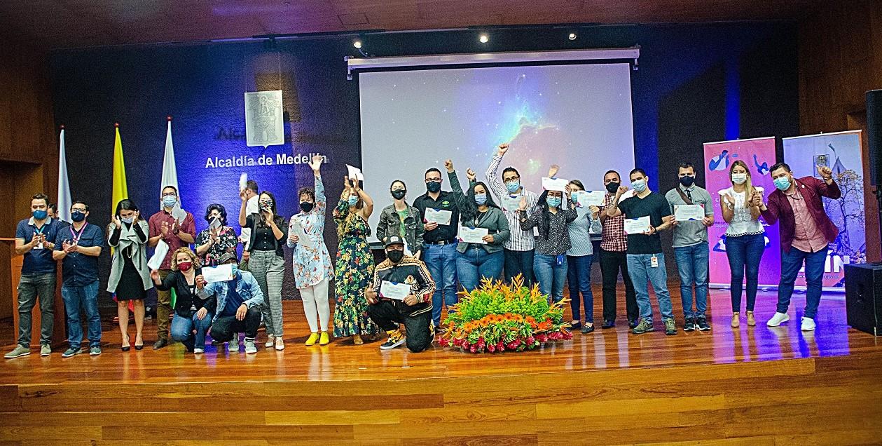 22 medios de comunicación fueron ganadores en Medellín Palpita