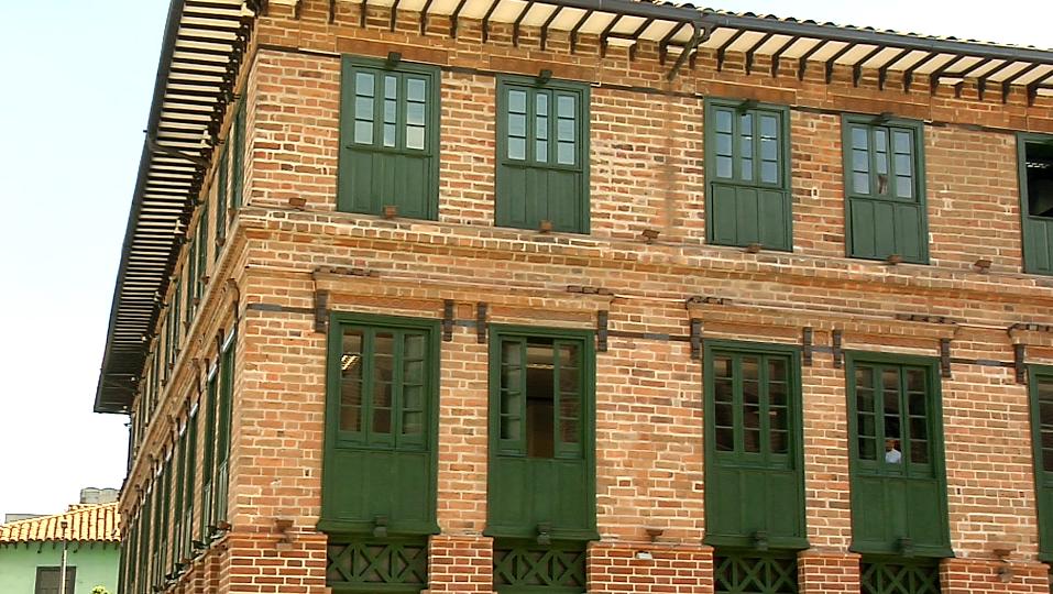 Medellín entrega las llaves del Edificio Vásquez al sector artístico y cultural de la ciudad