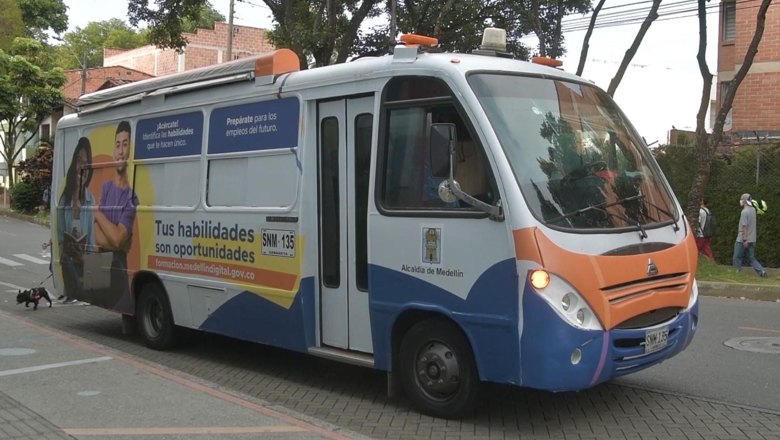 Más de 11.000 personas de Medellín serán formadas para empleos del futuro
