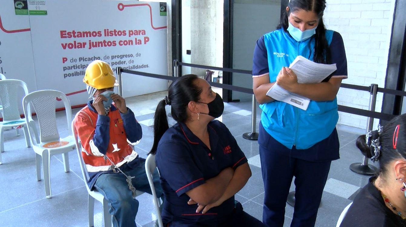 Nuevo punto de vacunación en la estación Acevedo del Metro