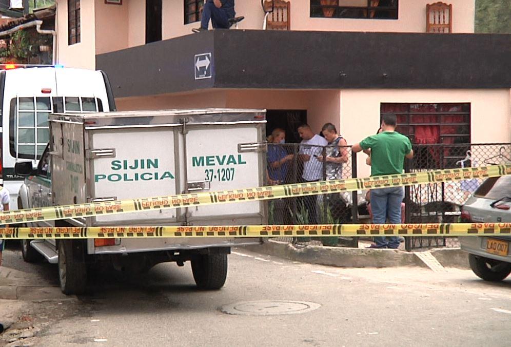 Una mujer habría sido asesinada en presencia de su hijo en Caldas