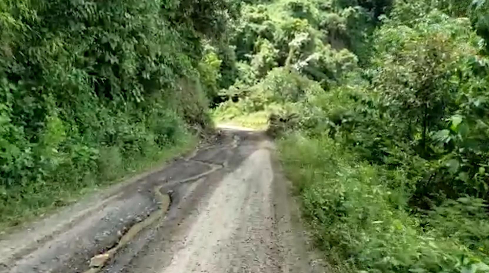 Antioquia: Comenzó la pavimentación de la vía a Peque